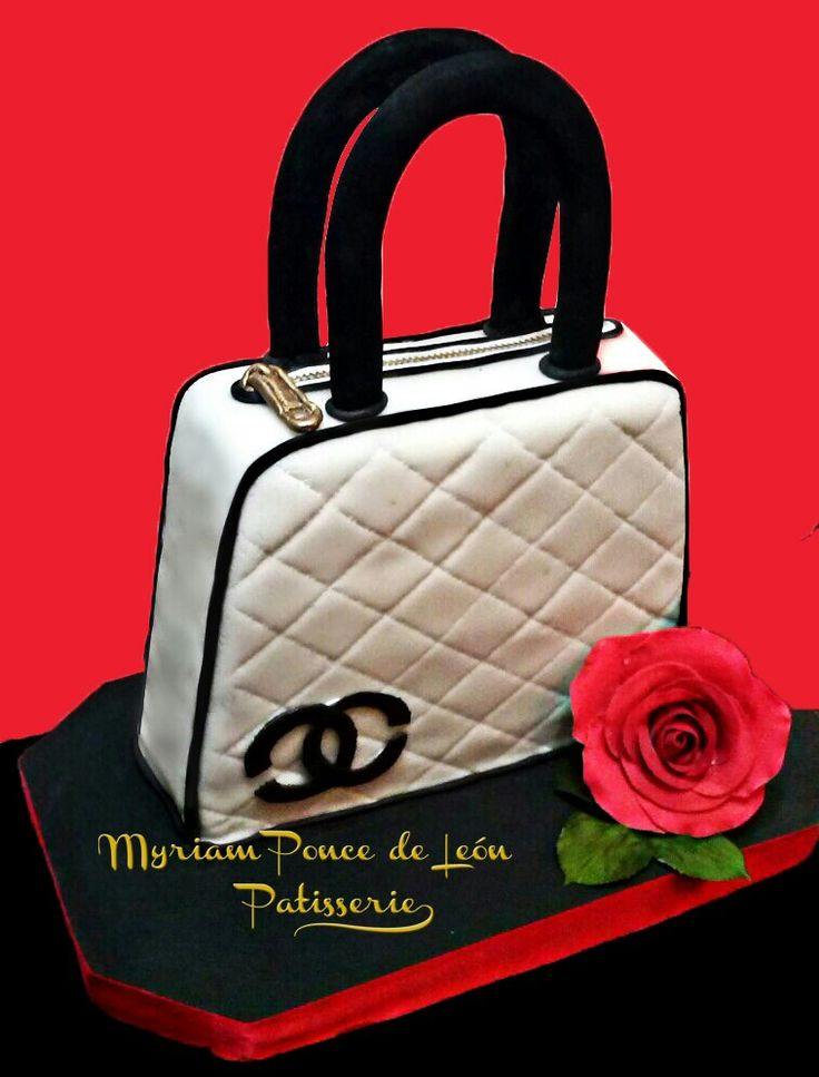 Cake cartera chanel blanco y negro