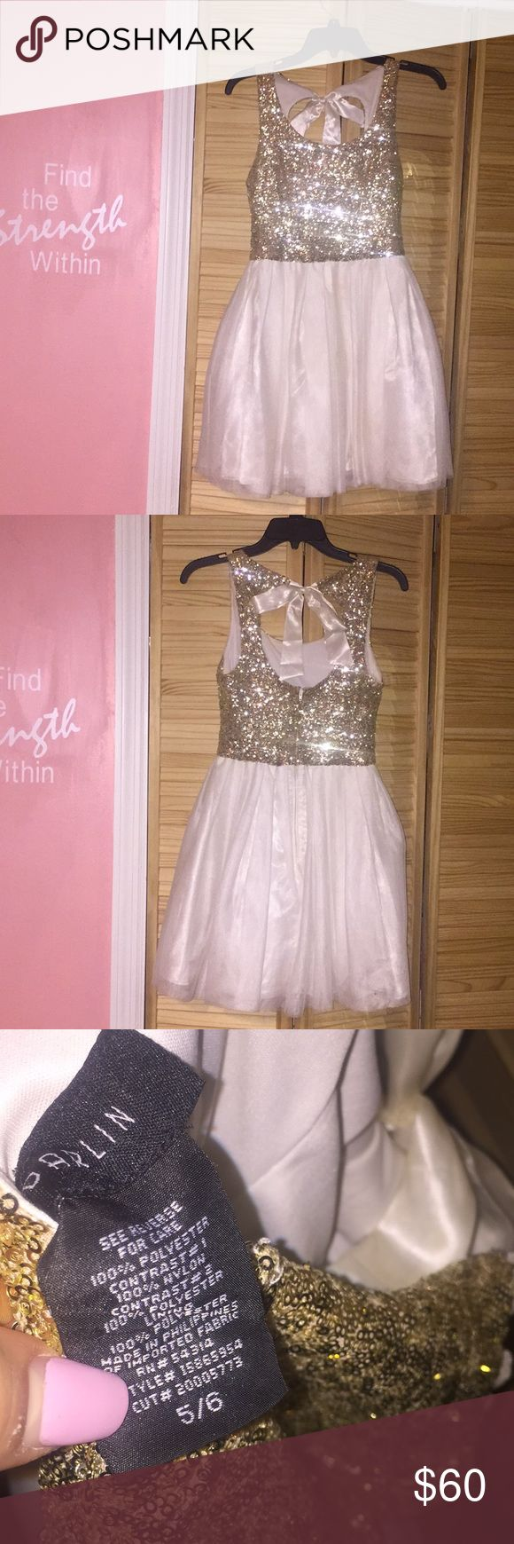 Super cute gold sequenced dress w/ bow only worn one time jcpenney Dresses Prom