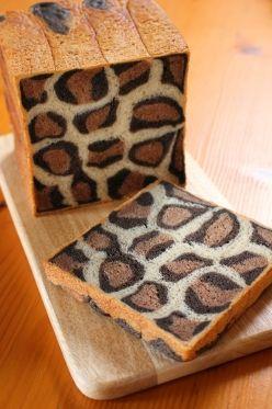 ヒョウ柄の食パン