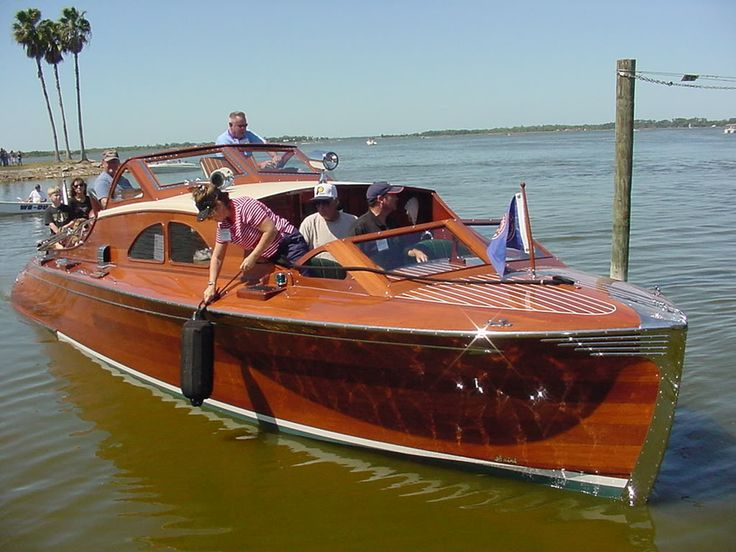 Chris Craft  Ft Runabout Triple Model