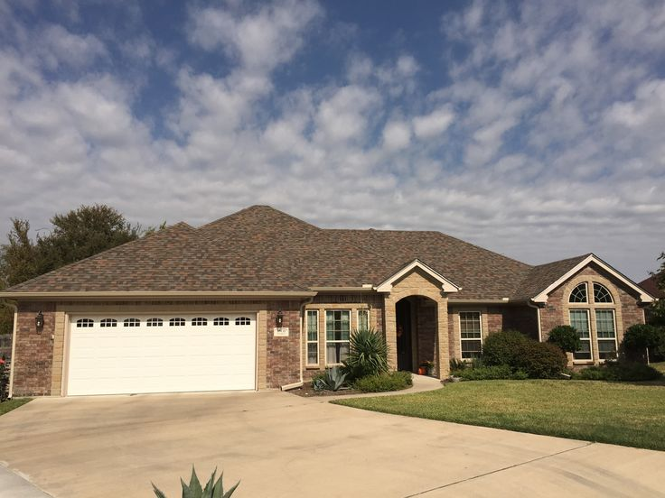 Oak Roof Shingles : New roof installed by heritage construction company