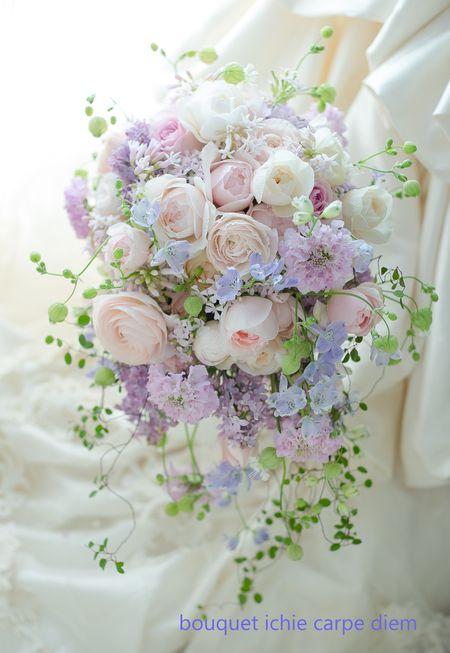 本日東京ステーションホテルの花嫁様へ、 お色直しのシャワーブーケ。 ご新郎様からの、プレゼントでした。 元々予定していたブーケはひと...