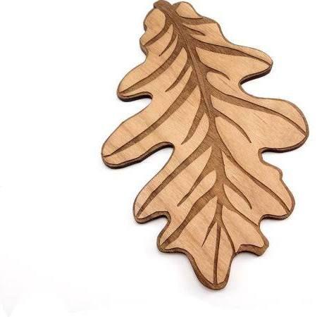 wooden oak leaves