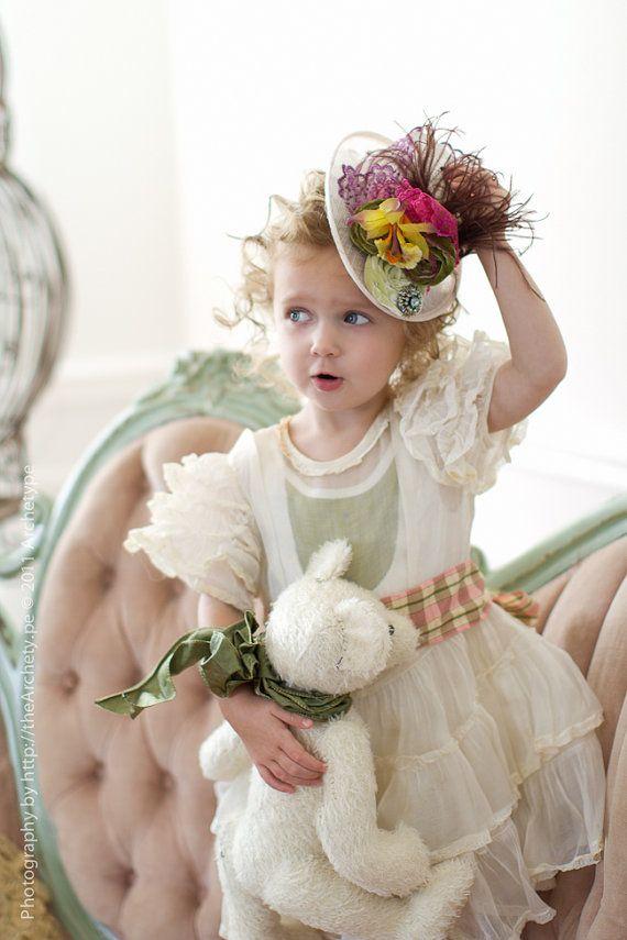 hats !Little Girls, Teas Time, Teas Parties Hats, Plays Dresses Up, Teddy Bears, Children, Kids, Minis Tops Hats, Flower Girls