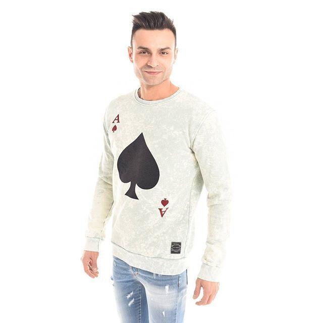 #FashionPoker  E secondo voi, qual è la carta vincente dello #stile? :spades: #GianVargian #ss16