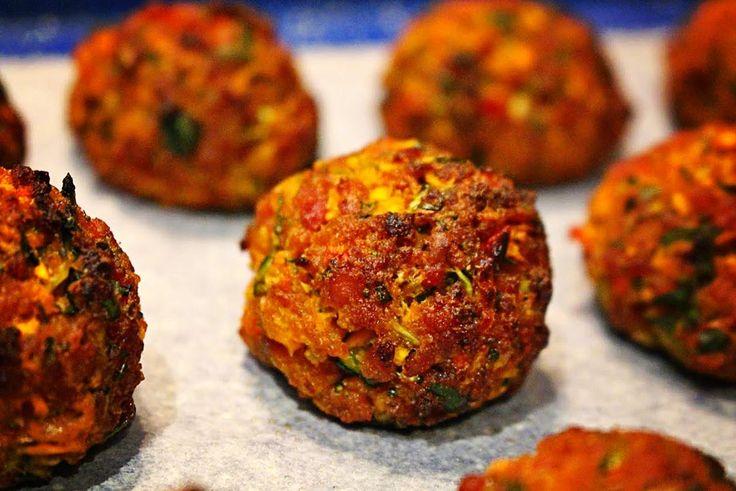 Zöldséges csirkefasírt – ínycsiklandó étel, ha unod a megszokott recepteket! Mennyei falatok! :)
