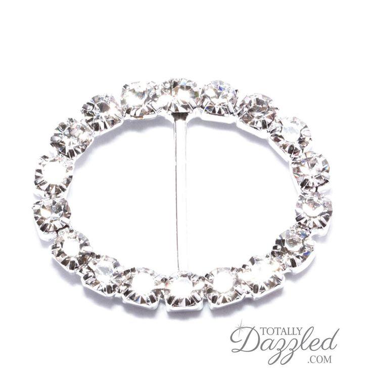 Die besten 25+ Silver oval wedding cakes Ideen auf Pinterest - l f rmige k che