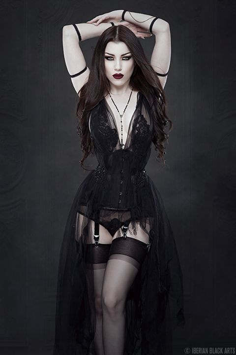 gothicandamazing:  Model: Threnody In VelvetPhoto: Iberian Black ArtsDress: Neon DuchessArm pieces: Elegant CuriositiesWelcome to Gothic and Amazing |www.gothicandamazing.org