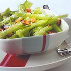 Een heerlijk recept: Komkommersalade met pindas