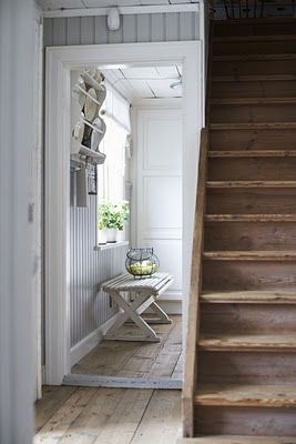 foyer / raw wood and white