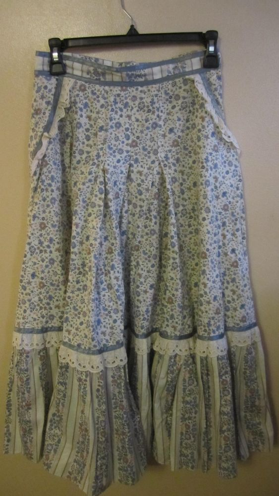 Gunne Sax Gunnies skirt Sz 13 in pale blue calico. 51M81