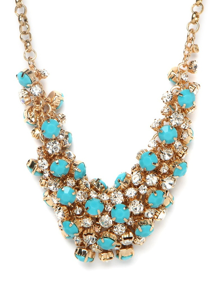 Chaos can be a beautiful thing-just check out this glam statement necklace which flaunts a chic cluster of glittering crystals and turquoise stones. Simply dazzling.