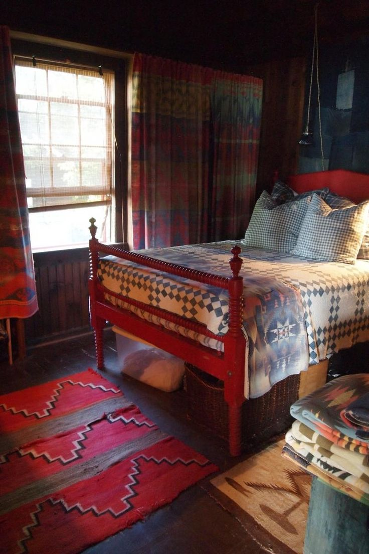 1000 Ideas About Cabin Bedrooms On Pinterest Log Cabin Bedrooms
