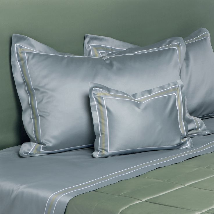 Kensington sheets with applied shaded border, elegant and unique in its style. #Quagliotti #bedroom #sheets #pillows #bedding #linen #luxury #home