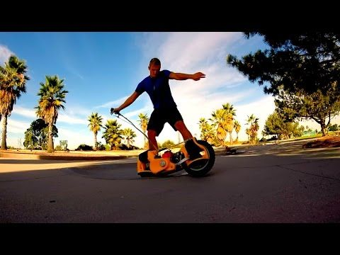 Wheelman – This Futuristic-Looking Motorized Skateboard Is Magic [Video] - This rad little thing called Wheelman or G-Wheel is the future of skateboarding. Well, should we say gas-powered skateboarding instead? SWEET!