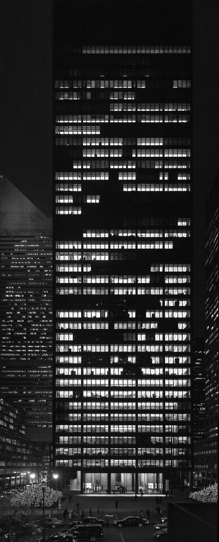 The Seagram building by Mies van der Rohe and Philip Johnson (1954-1958)