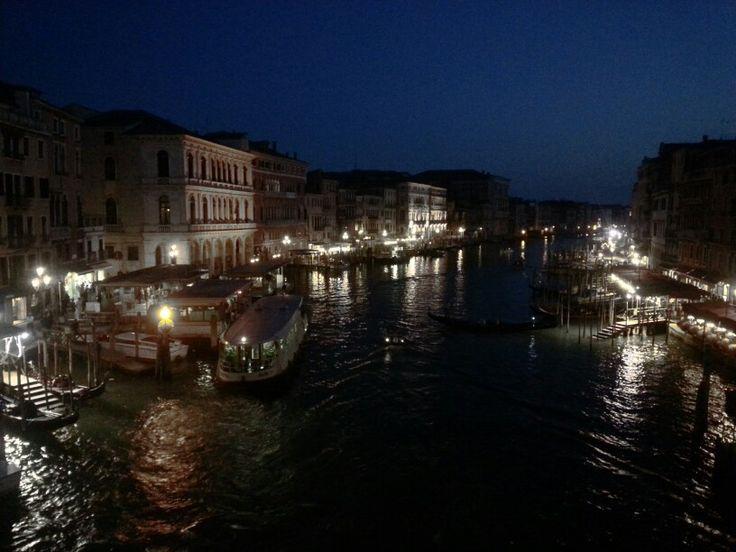 Gran canal desde Puente Rialto, Venecia.