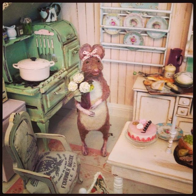 Dollhouse Miniatures Jensen: The Mini Mice