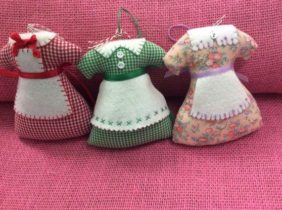Reserved for Loretta  2 Sunday Best Apron Ornaments von momomadeit