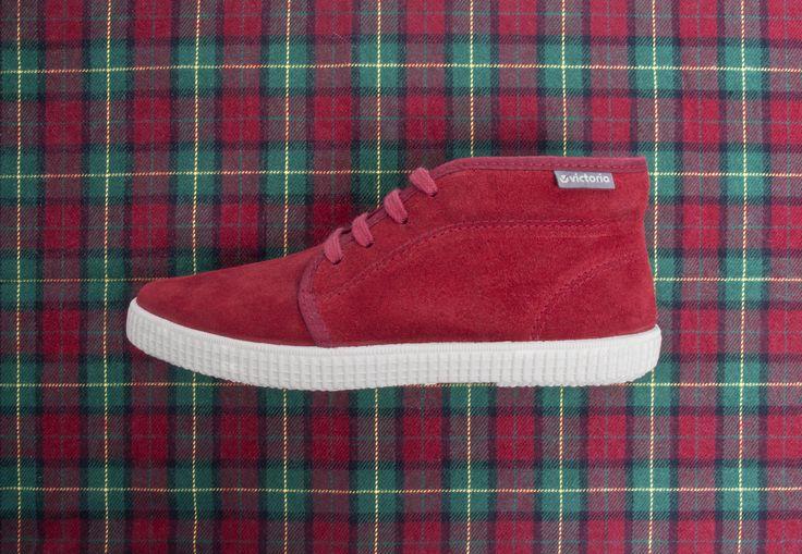 06760 Split Leather Chukka. Rojo