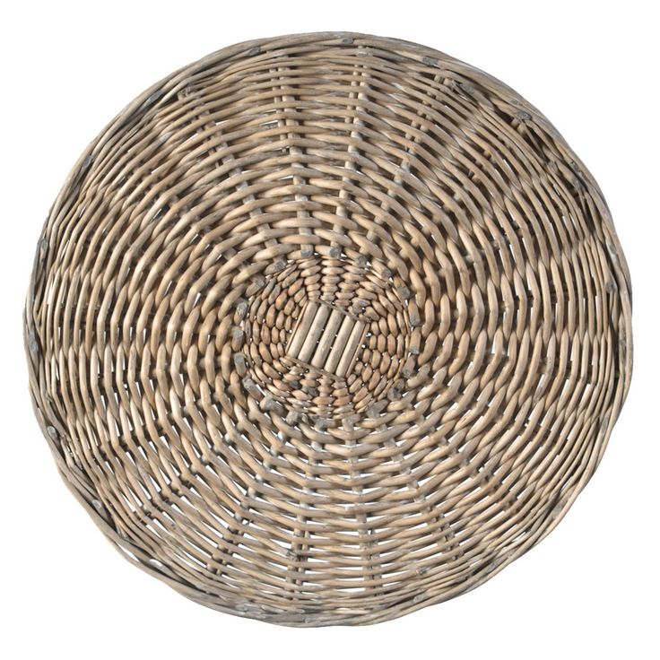 Woven from natural willow branches, our classic placemats add a touch of rustic style to any occasion and look great with a variety of table settings. 14 inch round
