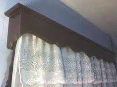 Resultado de imagen para cortineros de madera elegantes