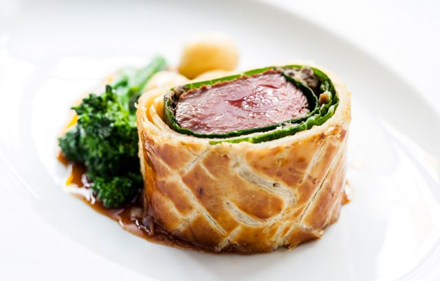 Venison Wellington all thanks to Andy McLeish from @gbchefs
