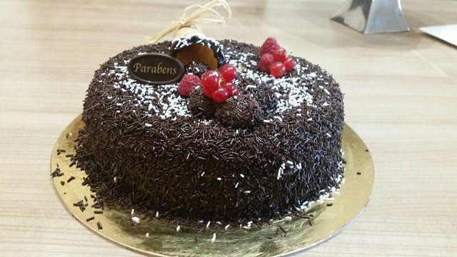 Sims Cake Shop: Bolo aniversário brigadeiro