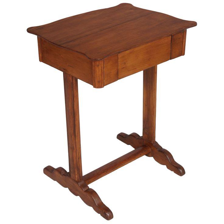 LITTLE TABLE WRITING DESK