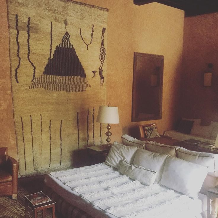 This is how you do Moroccan textiles. #interior #interiordesign #style #morocco #fortheloveofmorocco #atlas #atlasmountajns #babourika #sodomino #tribalchic #bohostyle #bohomeisn #bohemia #luxury #instaday #travelpics