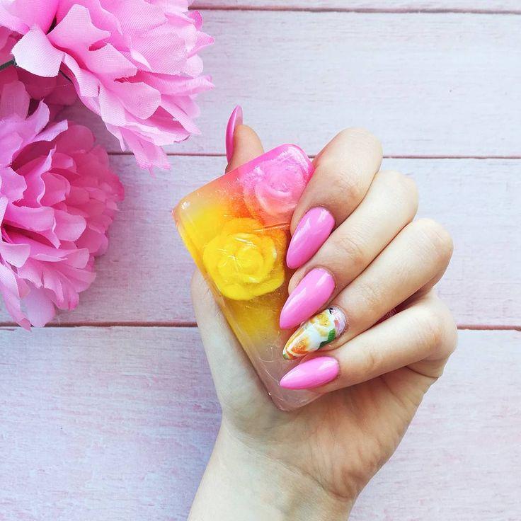 Kwieciste🌹🌸 w sam raz na zakończenie lata 😊  miłego dnia kochani💖  .  .  .  .  .  .  .  .  .  . #polishblogger #lifestyle #instalike#instapic #nails #nailsaddict #nailsoftheday #paznokcie #chiodo #roses #flowers #girl #me #kwiaty #goodvibes #instastyle #ddobinsta #pink #amazing #igers #photooftheday #beautiful #cute #instaphoto #instagirl #instapic #photooftheday #photography #instablog #instablogger #newpic