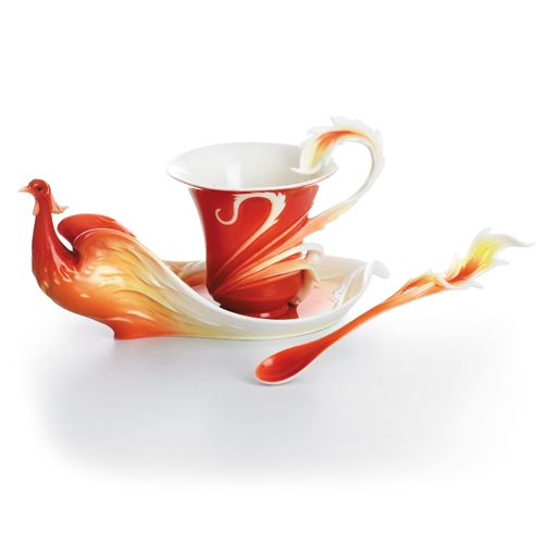 This unique and stunning Phoenician Flight Cup, Saucer and Spoon Set from Franz Porcelain makes creative and contemporary use of the classic tea service trio to evoke the fiery nobility and eternal strength of the legendary firebird.
