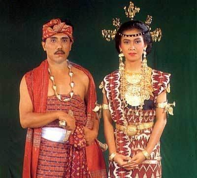 Traditional wedding costumes from Lampung-Sumatra - Indonesia