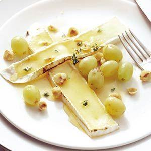 Recept - Brie met tijmhoning en druiven - Allerhande