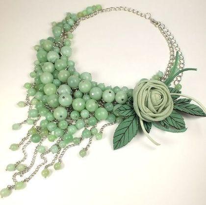 Conjuntos de joyas hechas a mano.< Mint Parfait.  Collar, broche.