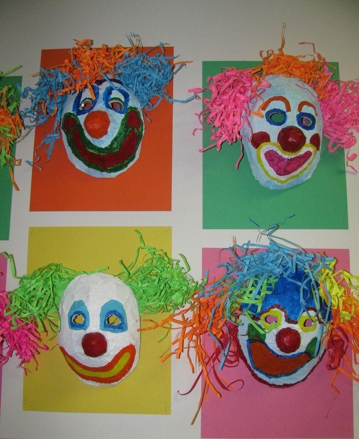 * Clowns masker papier mache!