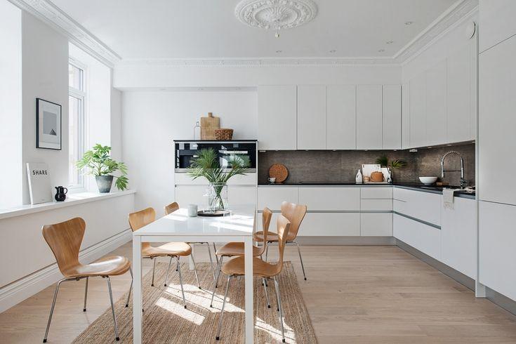 Dit appartement laat zien waarom een minimalistische inrichting erg slim is - Roomed