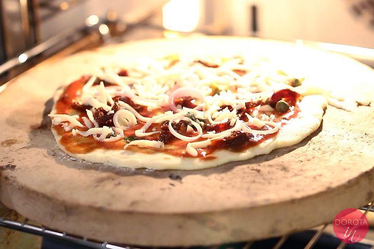 Pizza bezglutenowa, która jest smaczna i ma bardzo prosty skład. #przepis #pizza #glutenfree #jedzenie