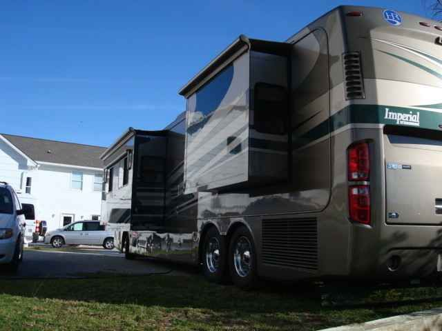 2006 Used Holiday Rambler Imperial 42PBQ Class A in North Carolina NC.Recreational Vehicle, rv, 2006 Holiday Rambler Imperial 42PBQ, Natural cherry cabinets,hydraulic leveling system, exterior sun screens, wheel covers, king bed, computer desk, w/leather Euro recliner w/ ottoman, free standing dinette, power water hose, collision avoidance system, carefree automatic patio awning, full body paint, side hinge basement doors, aluminum wheels,NEW residential refrigerator (not pictured), Onan 10…