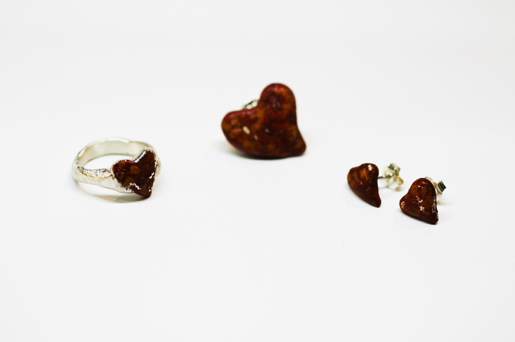 Daniel Bellido. corazones oxidados con técnicas de escultor