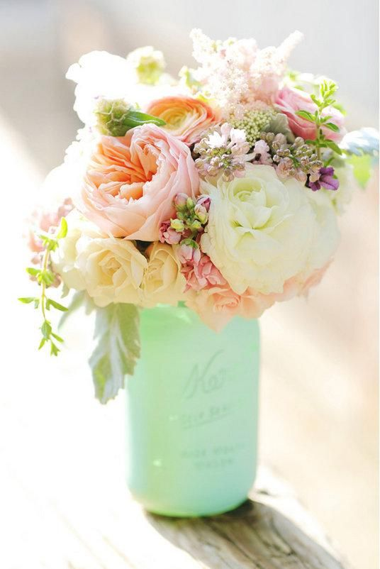 Painted mason jar with spring flowers. LOVE the colors