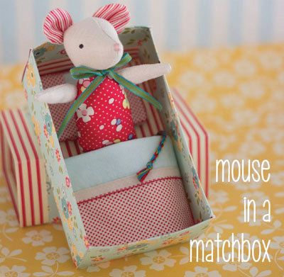Make this gorgeous tiny mouse in a paper matchbox style bed. The pattern is by Simone Gooding of May Blossom.  Finished size: Mouse: 6 (15cm)
