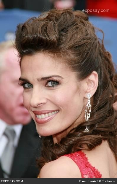 I have ALWAYS loved her style...Kristian Alfonso from Days of Our Lives...