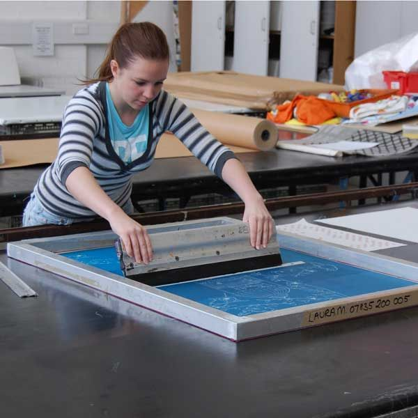 As an entrepreneur with T-shirt Screen Printing Machine at first you should learn a number of methods to print. Usually, there are three methods used