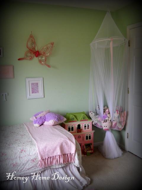 cute way to store my daughter's bazillion stuffed animals!