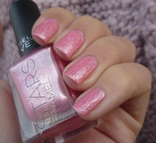 Malý koutek krásy: Gabriella Salvete STARS Enamel - 10 Sugarbabe s top coatem