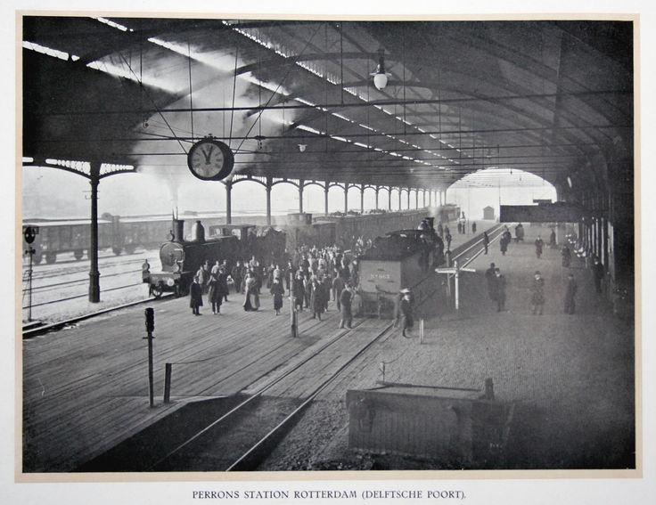 Perron van station Delftsche Poort in Rotterdam. (Collectie Streekmuseum Jan Anderson)