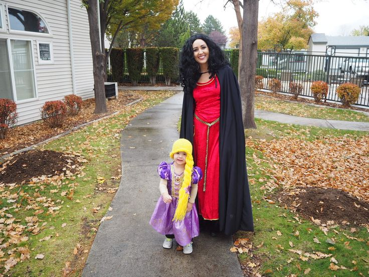 Rapunzel and Mother Gothel Halloween costume. Family costume, mother daughter.