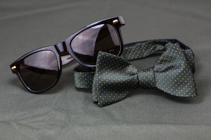 Enter to win a $50 gift card to Cheap-Neckties, trendy bow tie, and @knockaround sunglasses!