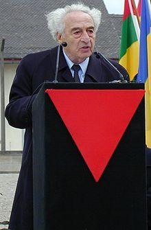 Max Mannheimer (* 6. Februar 1920 in Neutitschein, Nordmähren, Tschechoslowakei; † 23. September 2016 in München) war ein jüdischer Überlebender des deutschen Holocaust. Er war Kaufmann, Buchautor und Maler. Seit 1990 war er der Präsident der Lagergemeinschaft Dachau und seit 1995 Vizepräsident des Internationalen Dachau-Komitees.